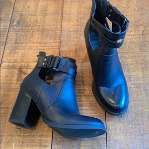 Soda double strap cut out booties
